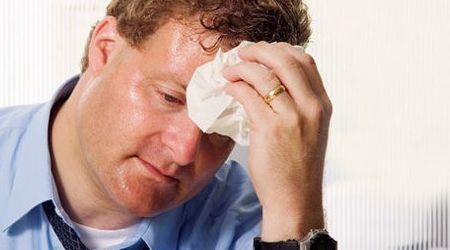 Nguyên nhân, triệu chứng và phương pháp điều trị bệnh ra nhiều mồ hôi